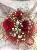 Ramo estructura con coral y rosas