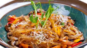 Китайська локшина з грибами Шиітаке і овочами (220г)