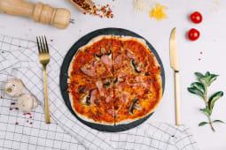 Pizzetta with Ham and Mushroom