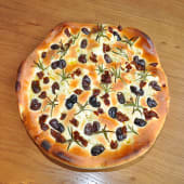 Pan Focaccia pizza