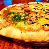 Pizza 4 stagioni (6 porciones)