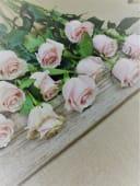 Ramo De 12 Rosas De Color Rosa Con Verdes Variados