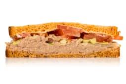 Sándwich Pan Tomate Vegetal Atún