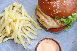 Гамбургер Індіана з курячим філе (270/100/30г)