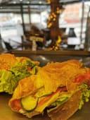 Croissant sendvič šunka