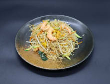 251. Spaghetti di riso con gamberi e verdure