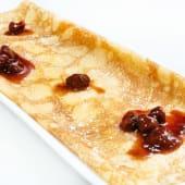 Crepe de fresas y crema catalana