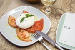 Burrata con tomate rambo