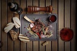 Стейк з яловичини на кісточці (400г)