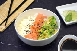 Sushi salad salmón ahumado, palta y Philadelphia