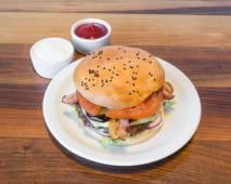 Zestaw Cheese burger, frytki, sos
