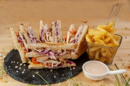 Club sandwich chicken crunchy