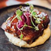 Costilla de cerdo Duroc con salsa barbacoa