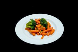 Broccoli cu morcovi baby