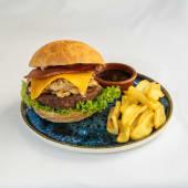 Smoky BBQ burger