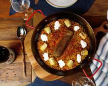 Paella de berenjena ahumada con alcachofas (para 2)