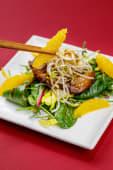 Зелений салат з качкою та апельсиновим дресінгом (240г)