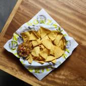 Chips con pico de gallo