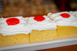 Tres Leches Porcion