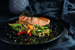 Лосось на пару під місо соусом і овочами вок (160/115/40г)
