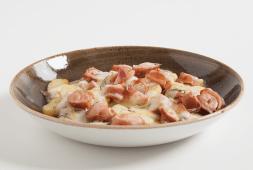 Rosticciata di wurstel e patate