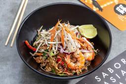 Pad thai con pollo,gambas o tofu