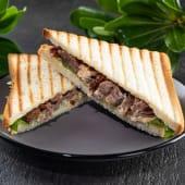 Сендвіч з телячими щічками (1шт)
