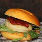 Hamburguesa: cheese burguer (sin carne)
