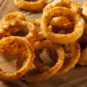 Aros de cebolla fritos caseros y crujientes