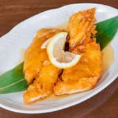 Pechuga de pollo crujiente con salsa de limon