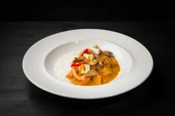 Rad Thay Curry cu pleurotus și tofu crispy