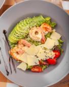 Салат з авокадо та креветками (350г)