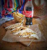 Meniu QuesaFries cu Pui Cajun + Coca Cola