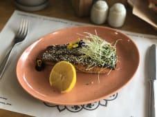 Стейк з лосося у соус унагі (100г)