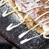 Clatite cu mere & crema de vanilie