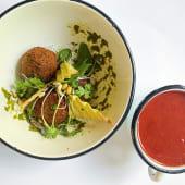 Холодний томатний суп з фалафелем (350г)