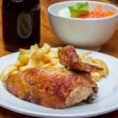 1/2 pollo a la brasa + papas + ensalada