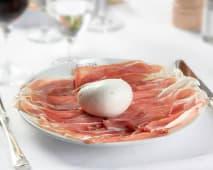 Mozzarella di bufala e crudo di Parma