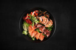 Orihara sashimi salata