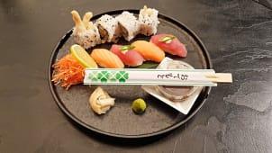 Sushi i maki rolls 8 kom: tuna losos, brancin