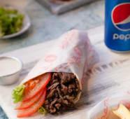 Shawarma (carne) + gaseosa de lata