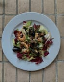 Салат з бебі-восьминогами і креветками та цитрусовим дресінгом