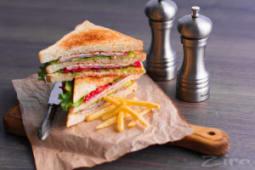 Клаб-сэндвич с картофелем фри