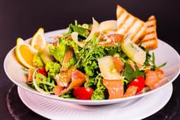 Somon fumme salad