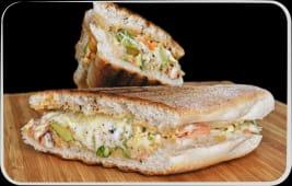 Sandwich cu somon fume