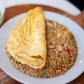 Tortilla con arroz chaufa