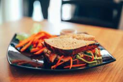 Topli Kayu sandwich