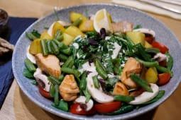 Salata calda cu somon