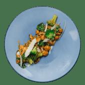 Noodles cu pui si broccoli
