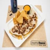 Quesa-Dilla + Patatas o Nachos con Queso + Bebida
